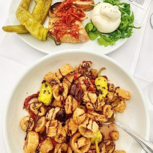 Read more about the article A Double Appitizer Kind of Weekend Ahead! // Mediterranean Calamari & Burrata  /… – Stefano's Restaurant LBI